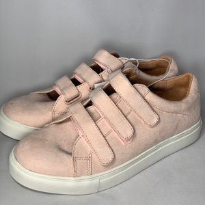 a new day Shoes - Pink suede sneakers